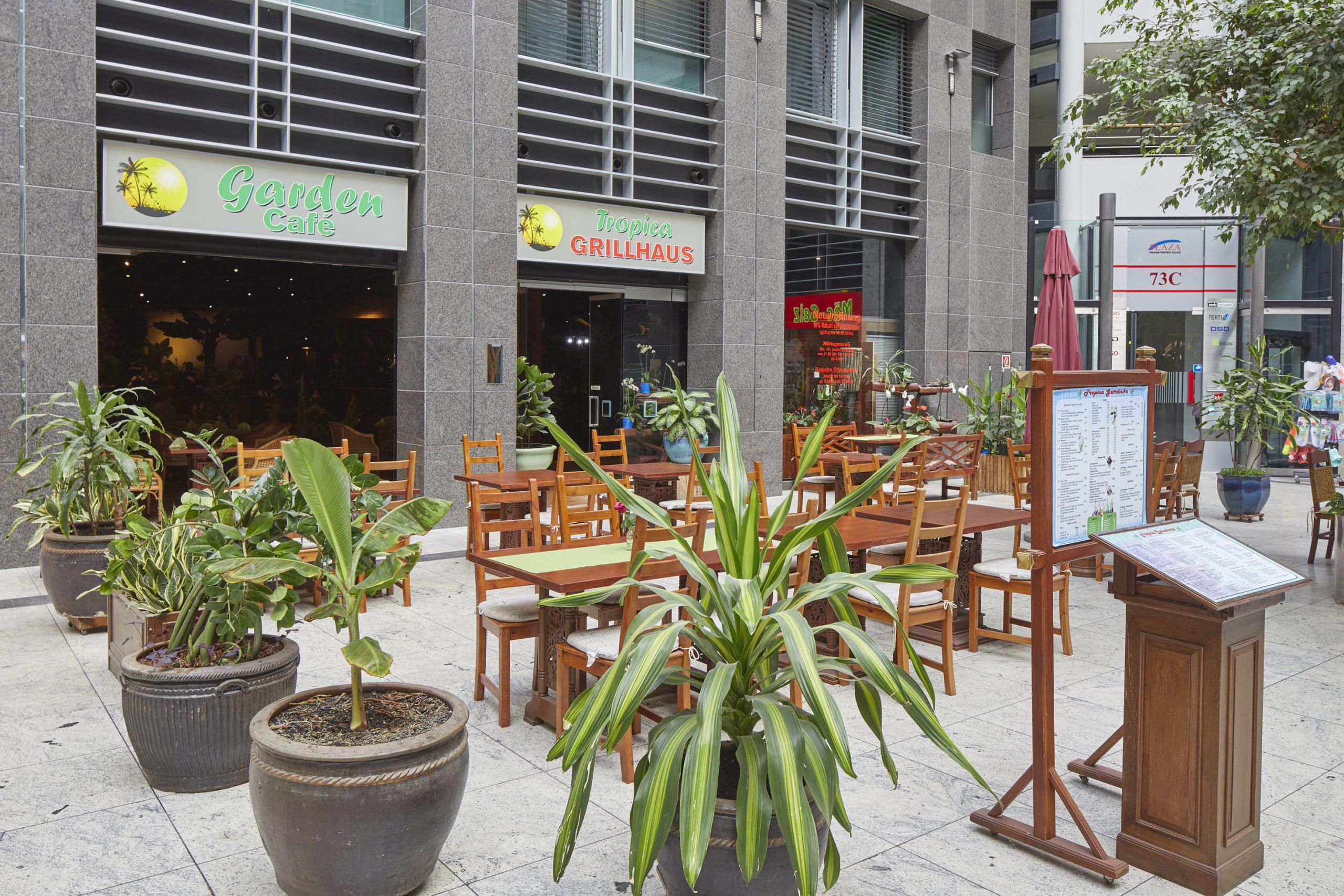Tropica Grillhaus Garden Café im Plaza Frankfurter Allee Berlin